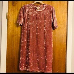 NWT Yelete Pink Crushed Velvet Dress Size Large